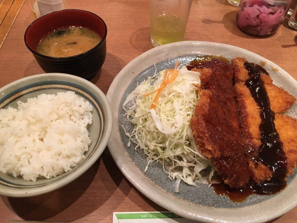 晩御飯は名古屋名物みそカツ