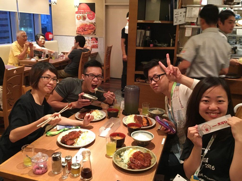 マレーシア代表、スウェーデン代表、香港代表と晩御飯